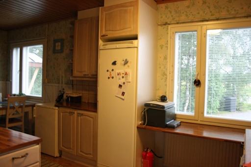 Keittiön ikkunaseinä ennen  remonttia