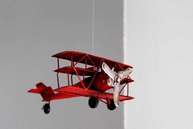 Punainen koristelentokone