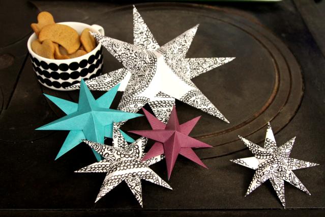 Eri värisiä tähtiä