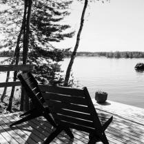 Kesä ja tuolit