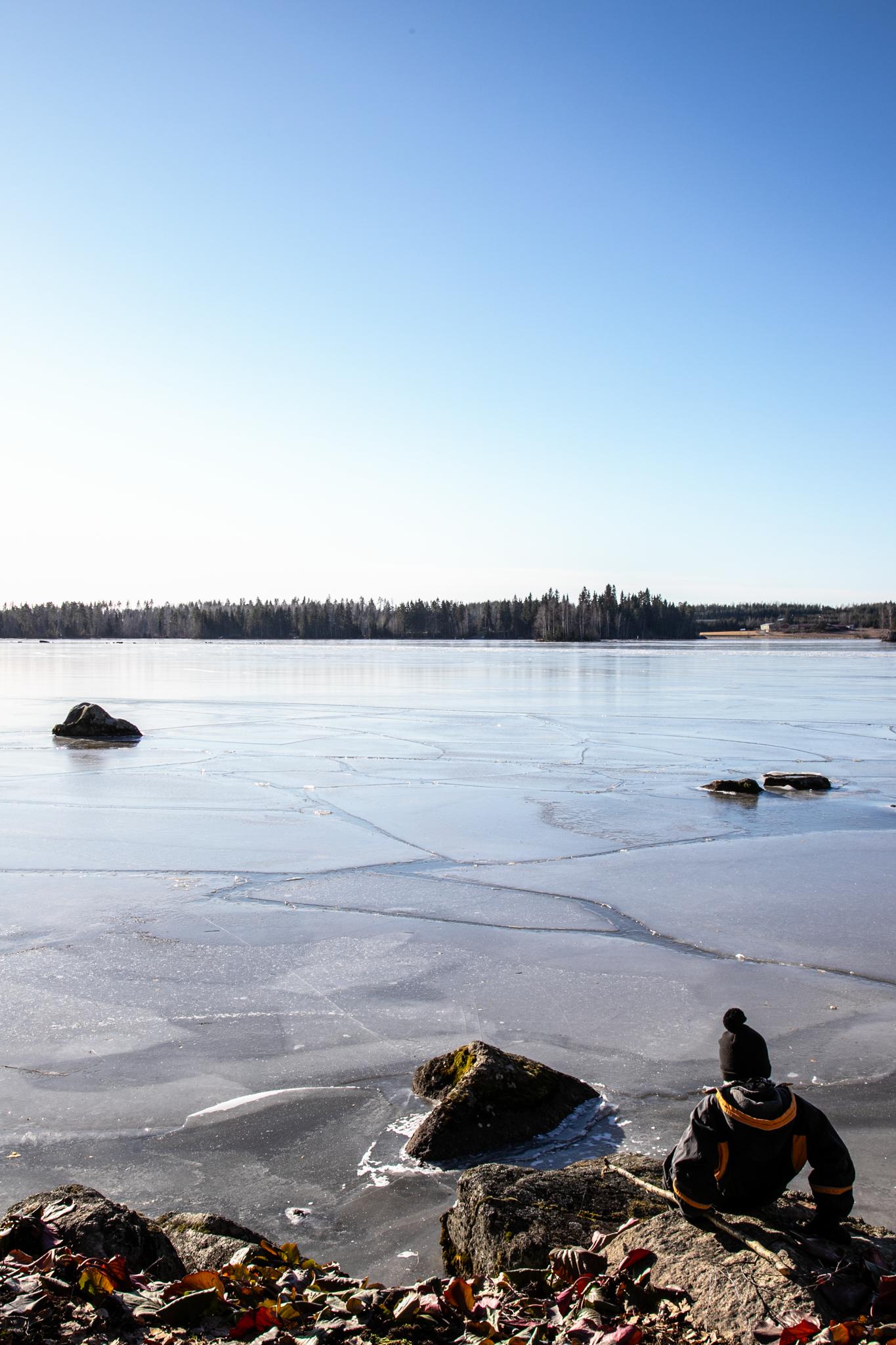 Järvi jäässä