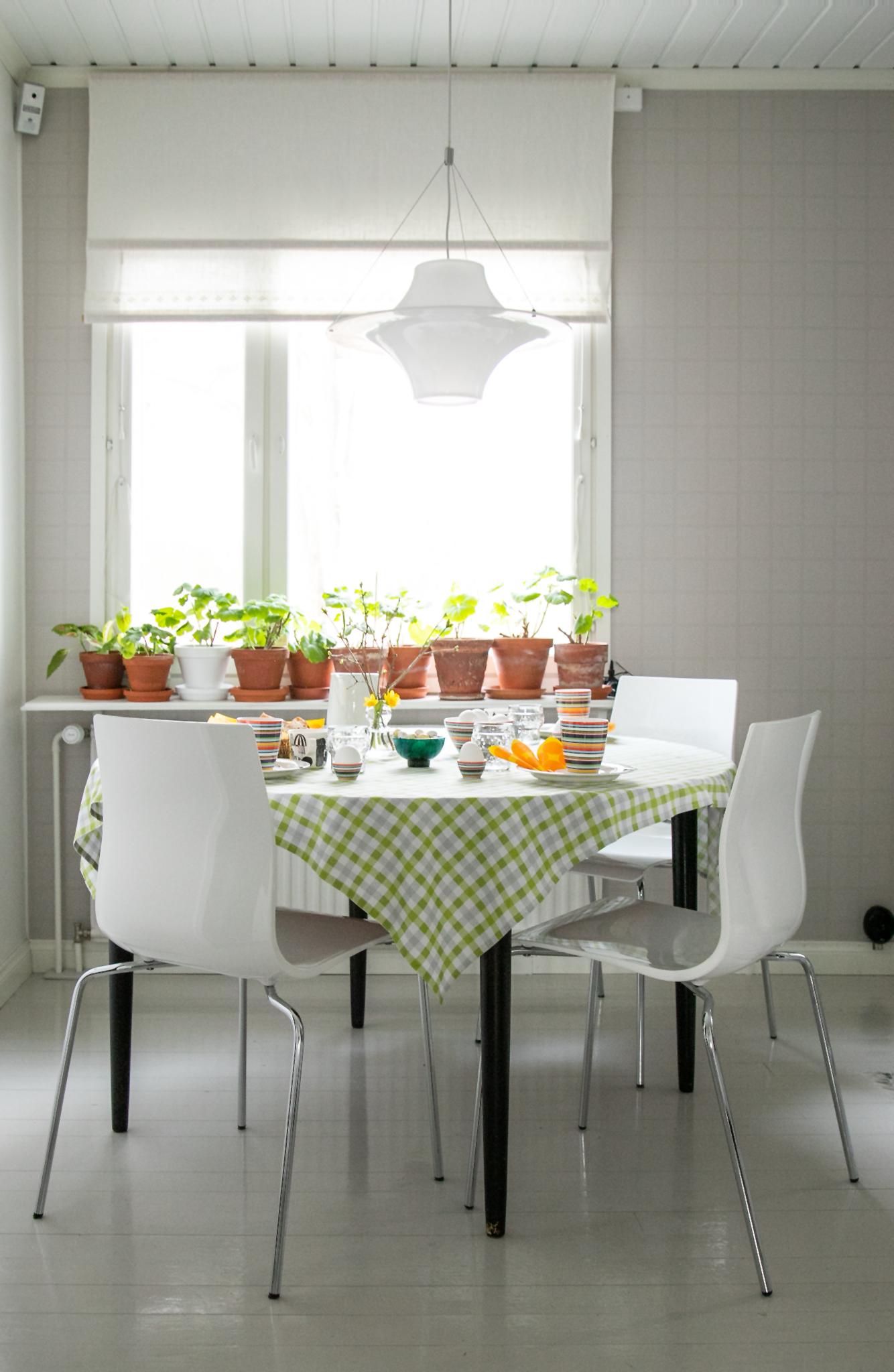 Aamupalapöytä